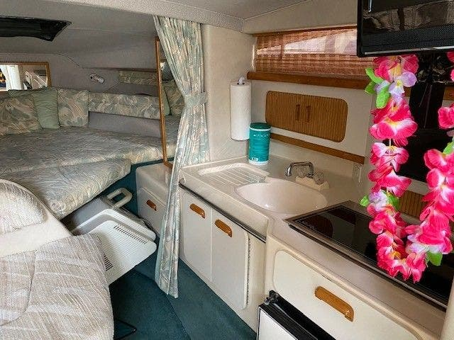 1992 Sea Ray boat for sale, model of the boat is 290SUNDANCER & Image # 12 of 23