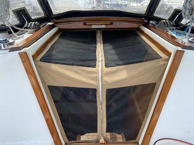 1993 Catalina Yachts boat for sale, model of the boat is 36 TALL RIG & Image # 6 of 26
