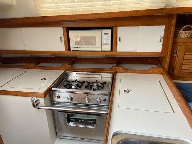 1993 Catalina Yachts boat for sale, model of the boat is 36 TALL RIG & Image # 7 of 26