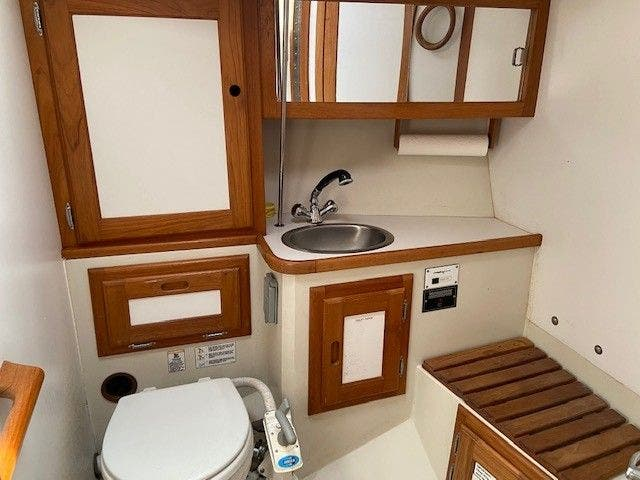 1993 Catalina Yachts boat for sale, model of the boat is 36 TALL RIG & Image # 14 of 26