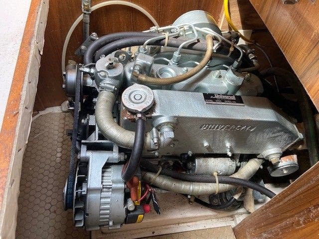 1993 Catalina Yachts boat for sale, model of the boat is 36 TALL RIG & Image # 21 of 26