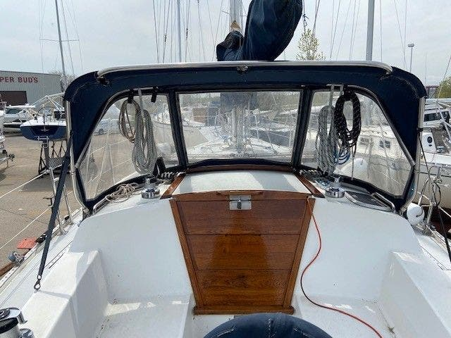 1993 Catalina Yachts boat for sale, model of the boat is 36 TALL RIG & Image # 24 of 26
