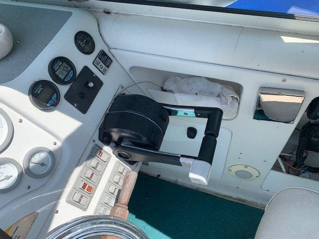 1993 Chris Craft boat for sale, model of the boat is 302 CROWNE & Image # 8 of 22