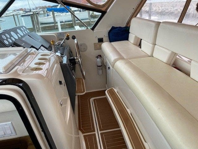 1995 Tiara Yachts boat for sale, model of the boat is 35 EXPRESS & Image # 11 of 33