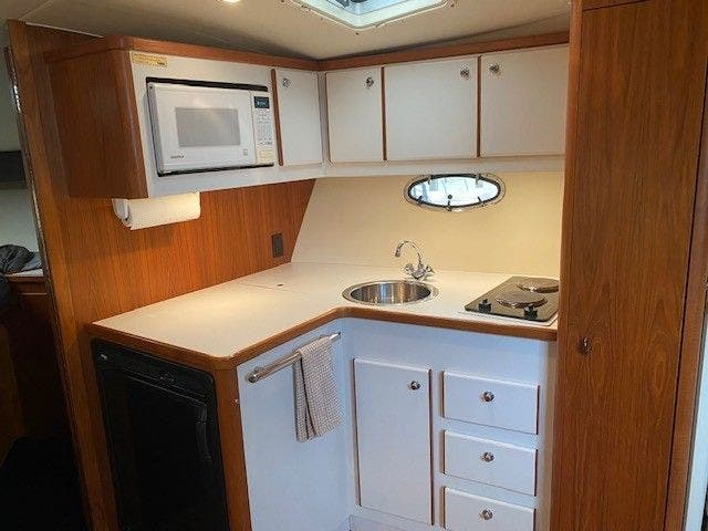 1995 Tiara Yachts boat for sale, model of the boat is 35 EXPRESS & Image # 18 of 33