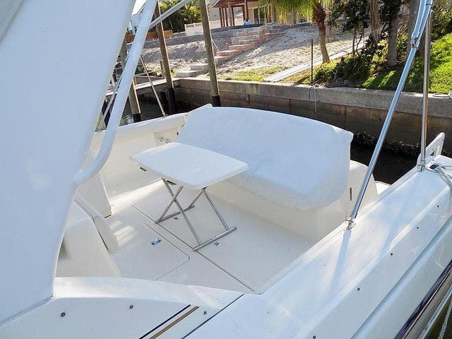 1996 Tiara Yachts boat for sale, model of the boat is 3500 EXPRESS & Image # 8 of 23