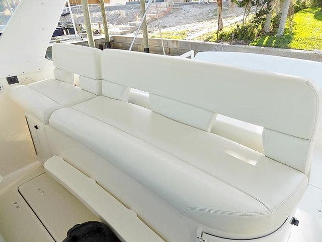 1996 Tiara Yachts boat for sale, model of the boat is 3500 EXPRESS & Image # 12 of 23