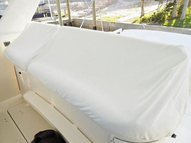 1996 Tiara Yachts boat for sale, model of the boat is 3500 EXPRESS & Image # 13 of 23