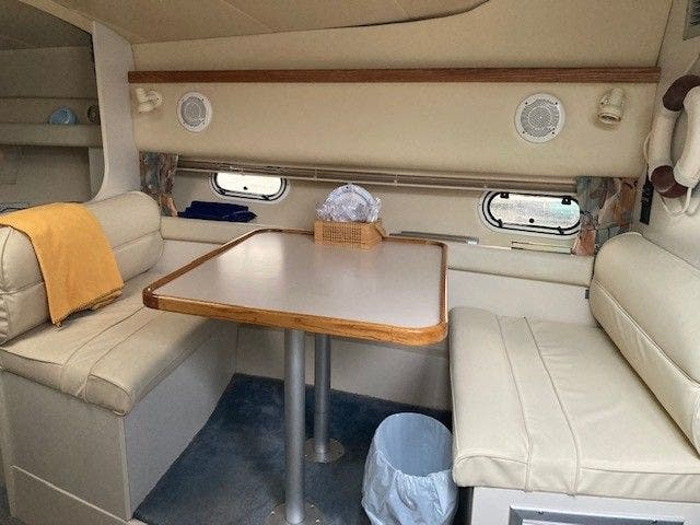 1997 Cruisers Yachts boat for sale, model of the boat is 3375 ESPRIT & Image # 11 of 17