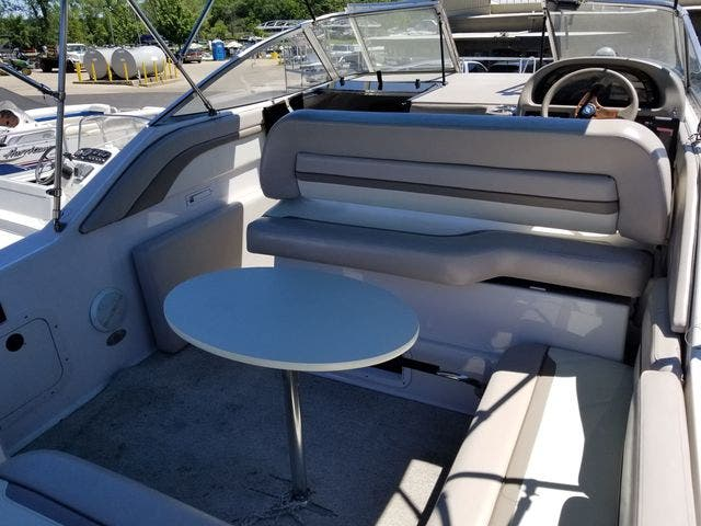 1997 Four Winns boat for sale, model of the boat is 258 VISTA & Image # 6 of 29