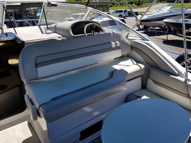 1997 Four Winns boat for sale, model of the boat is 258 VISTA & Image # 7 of 29