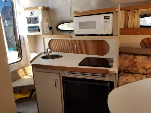 1997 Four Winns boat for sale, model of the boat is 258 VISTA & Image # 15 of 29