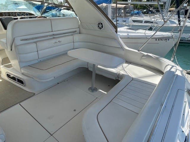 1997 Sea Ray boat for sale, model of the boat is 370 SUNDANCER & Image # 3 of 37