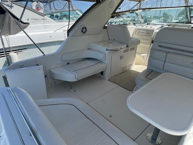 1997 Sea Ray boat for sale, model of the boat is 370 SUNDANCER & Image # 4 of 37