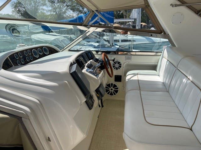 1997 Sea Ray boat for sale, model of the boat is 370 SUNDANCER & Image # 8 of 37