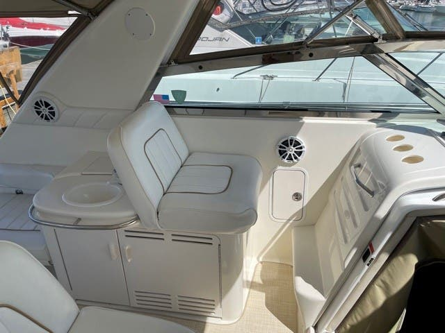 1997 Sea Ray boat for sale, model of the boat is 370 SUNDANCER & Image # 16 of 37