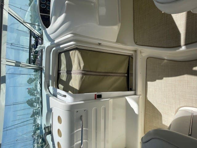 1997 Sea Ray boat for sale, model of the boat is 370 SUNDANCER & Image # 18 of 37