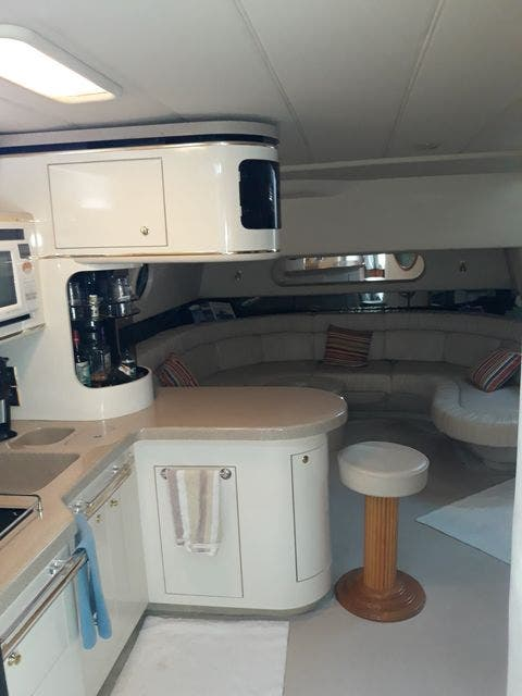 1997 Sea Ray boat for sale, model of the boat is 50' SUNDANCER & Image # 25 of 67