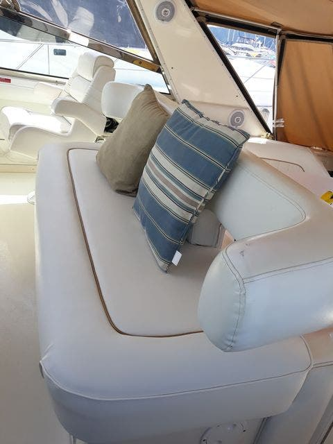 1997 Sea Ray boat for sale, model of the boat is 50' SUNDANCER & Image # 13 of 67