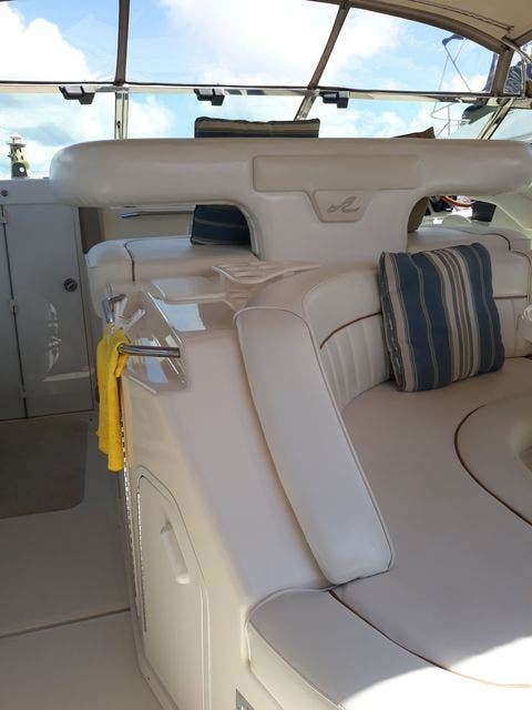 1997 Sea Ray boat for sale, model of the boat is 50' SUNDANCER & Image # 18 of 67