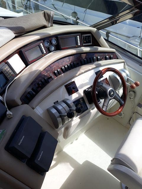 1997 Sea Ray boat for sale, model of the boat is 50' SUNDANCER & Image # 23 of 67