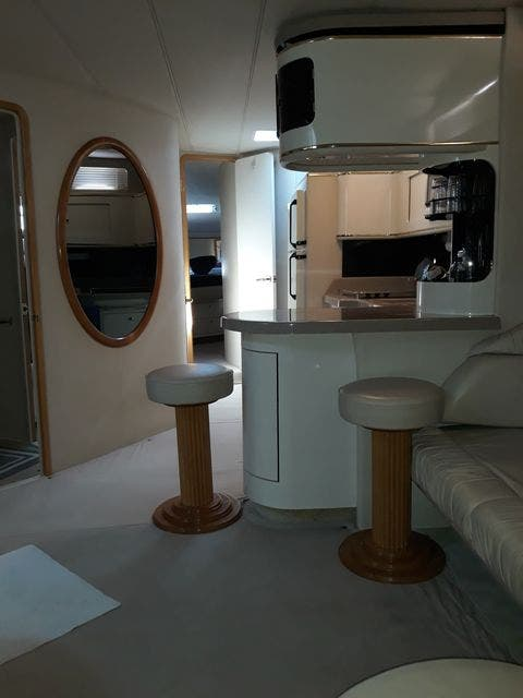 1997 Sea Ray boat for sale, model of the boat is 50' SUNDANCER & Image # 28 of 67