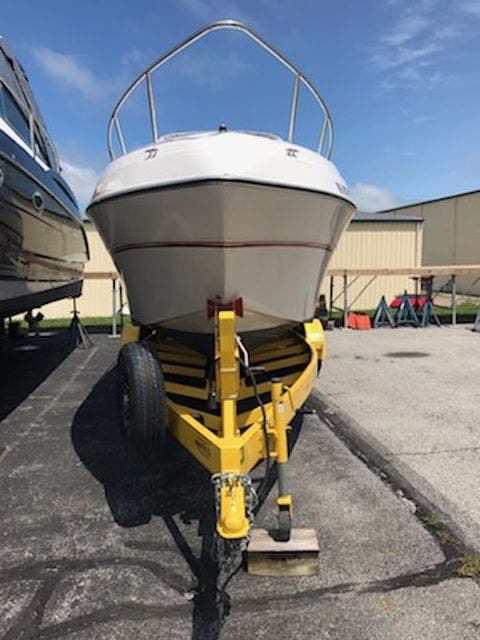 1998 Four Winns boat for sale, model of the boat is 238VISTA & Image # 3 of 32