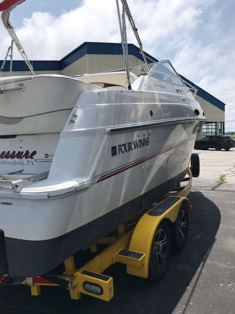 1998 Four Winns boat for sale, model of the boat is 238VISTA & Image # 4 of 32
