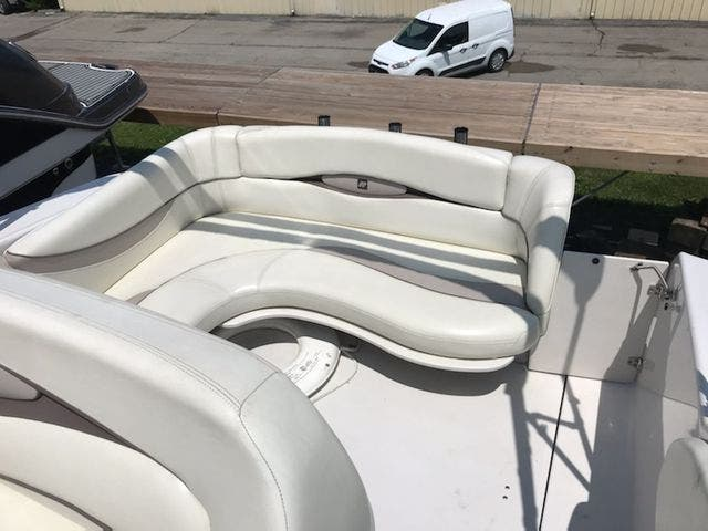 1998 Four Winns boat for sale, model of the boat is 238VISTA & Image # 6 of 32