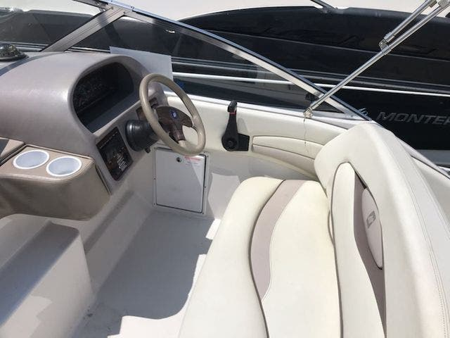 1998 Four Winns boat for sale, model of the boat is 238VISTA & Image # 13 of 32