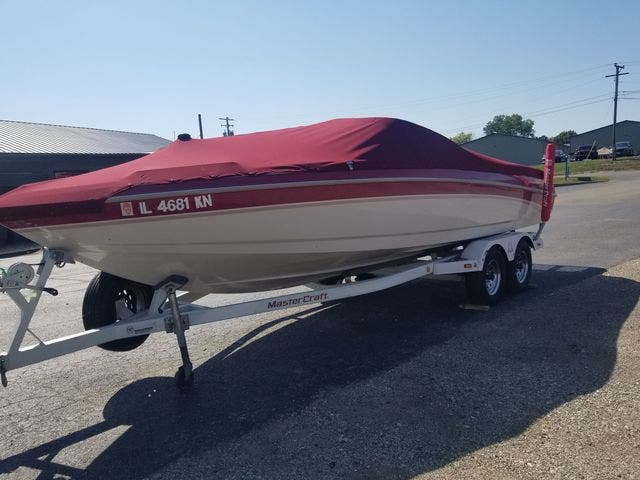 1998 Mastercraft boat for sale, model of the boat is 225VRS & Image # 7 of 36