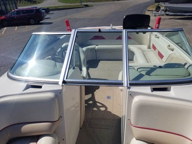 1998 Mastercraft boat for sale, model of the boat is 225VRS & Image # 16 of 36