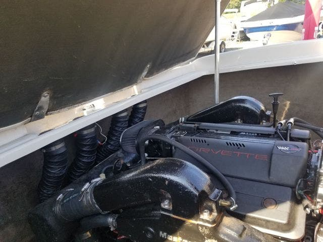 1998 Mastercraft boat for sale, model of the boat is 225VRS & Image # 29 of 36