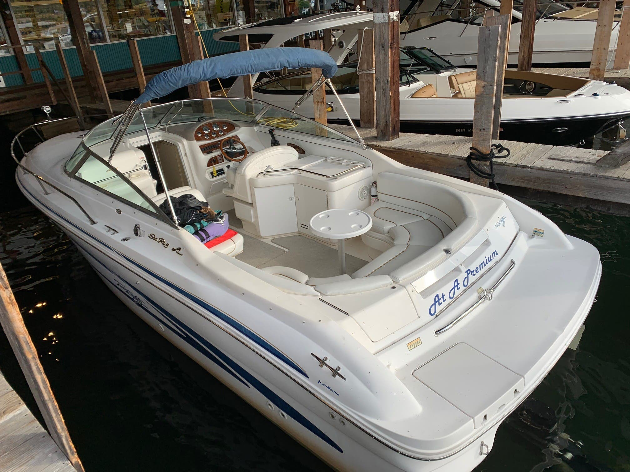 1998 Sea Ray boat for sale, model of the boat is 280 Sunsport & Image # 3 of 11