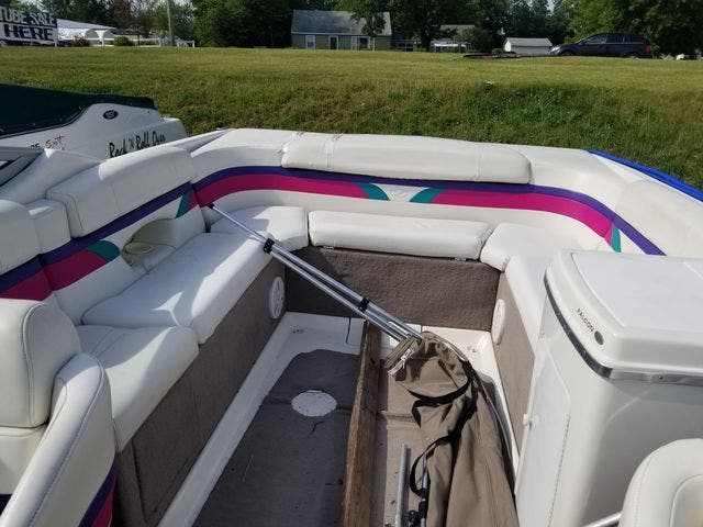 1998 Thunderbird boat for sale, model of the boat is 2500 CD & Image # 8 of 30
