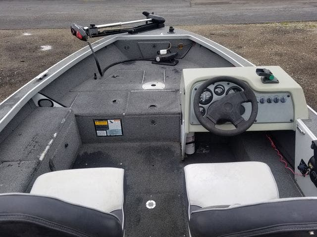 1999 Alumacraft boat for sale, model of the boat is 165 MAG & Image # 10 of 16
