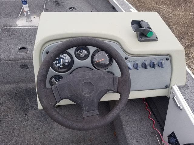 1999 Alumacraft boat for sale, model of the boat is 165 MAG & Image # 11 of 16