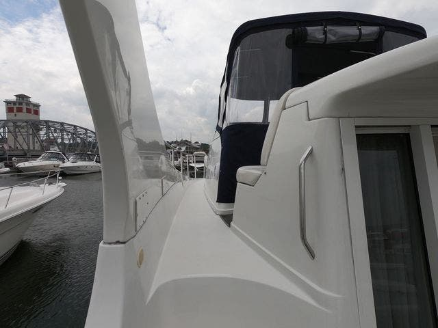 1999 Carver boat for sale, model of the boat is 350MARINER & Image # 14 of 36