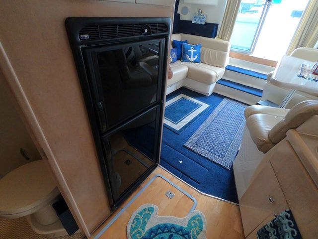 1999 Carver boat for sale, model of the boat is 350MARINER & Image # 29 of 36