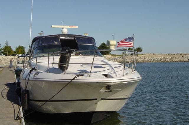 1999 Cruisers Yachts boat for sale, model of the boat is 4270 & Image # 3 of 21