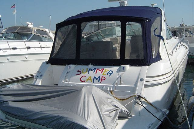 1999 Cruisers Yachts boat for sale, model of the boat is 4270 & Image # 4 of 21