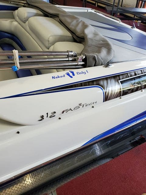 1999 Formula boat for sale, model of the boat is 312 FASTECH & Image # 4 of 27