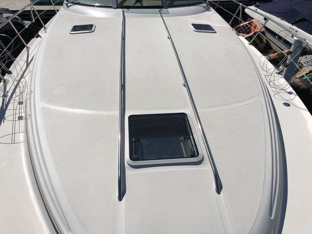 1999 Sea Ray boat for sale, model of the boat is 380 SUNDANCER & Image # 5 of 28