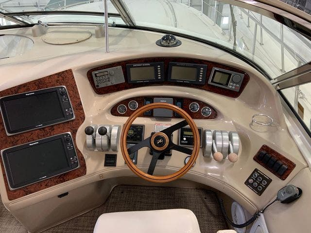 1999 Sea Ray boat for sale, model of the boat is 580SSS & Image # 11 of 32