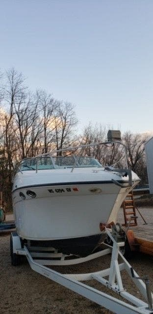 2000 Crownline boat for sale, model of the boat is 242CR & Image # 3 of 22