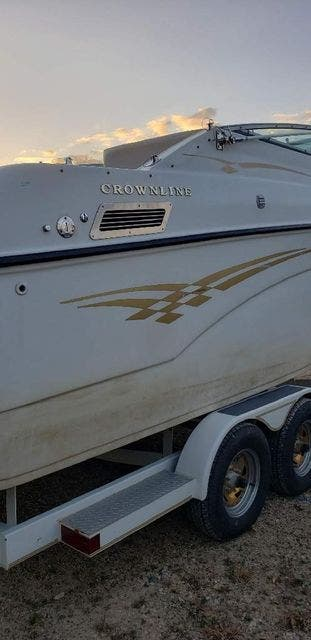 2000 Crownline boat for sale, model of the boat is 242CR & Image # 5 of 22