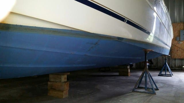 2000 Monterey boat for sale, model of the boat is 322 Cruiser & Image # 12 of 20