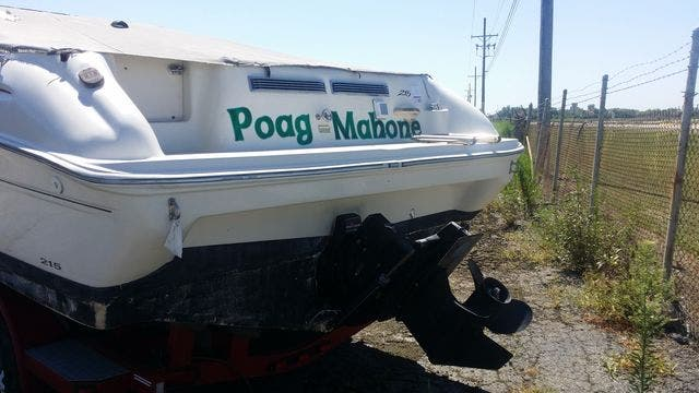 2000 Sea Ray boat for sale, model of the boat is 215EC & Image # 3 of 7