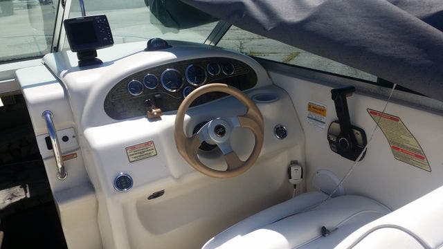 2000 Sea Ray boat for sale, model of the boat is 215EC & Image # 5 of 7