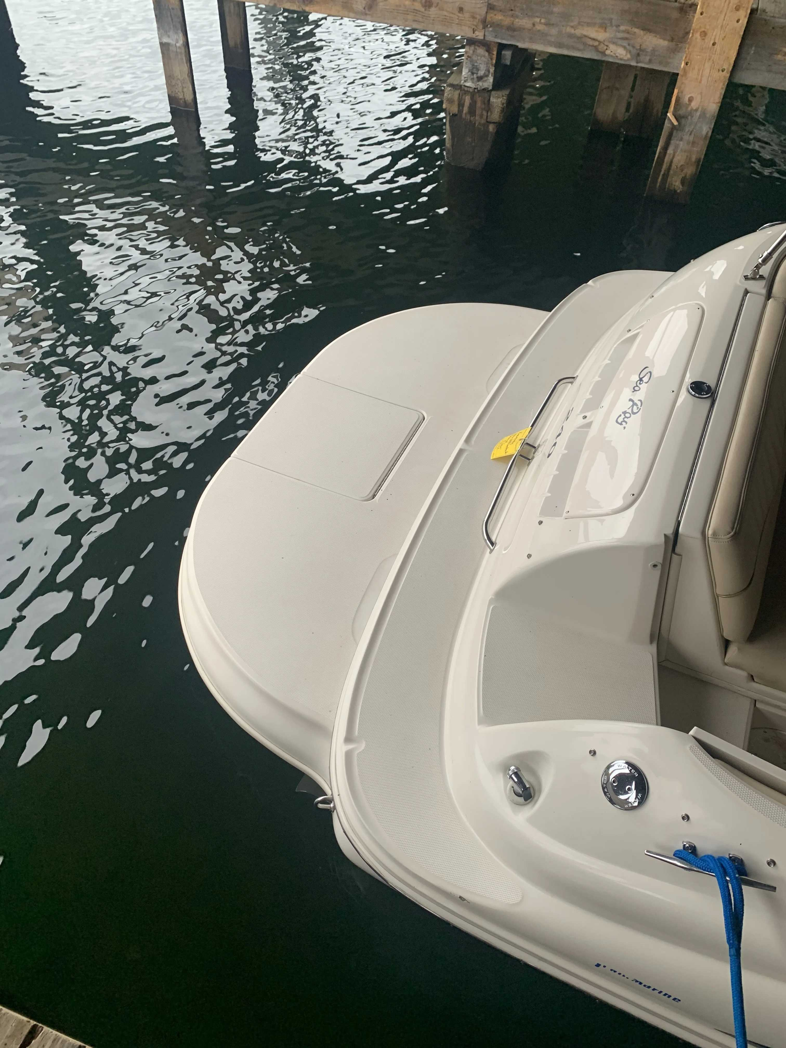 2000 Sea Ray boat for sale, model of the boat is 240 Sundeck & Image # 7 of 8